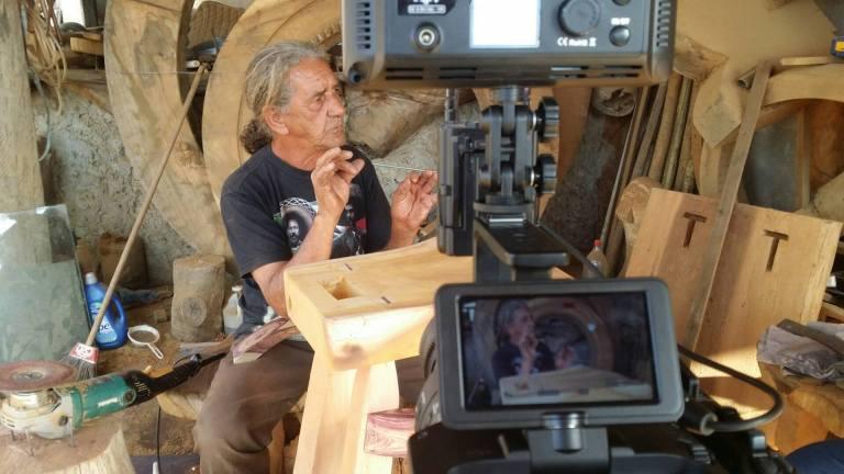 Entrevista com artista escultor Seu Celso para a LABAfilemes. Lagoa Santa, MG.